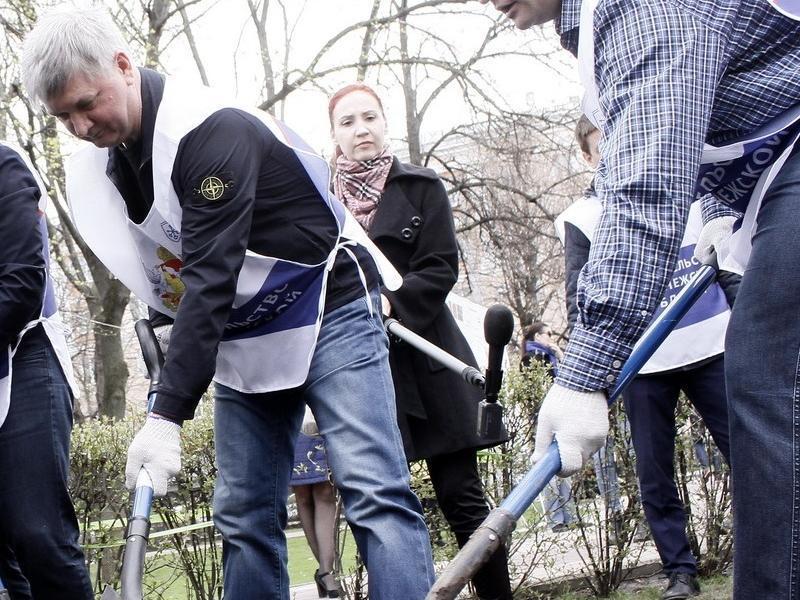 Александр Гусев предложил воронежцам поработать руками в выходной