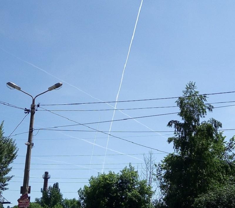 Игры в крестики-нолики устроили боевые самолеты в небе над Воронежем