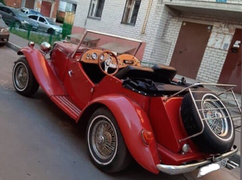 Аристократичный кабриолет сняли на фото в Воронеже