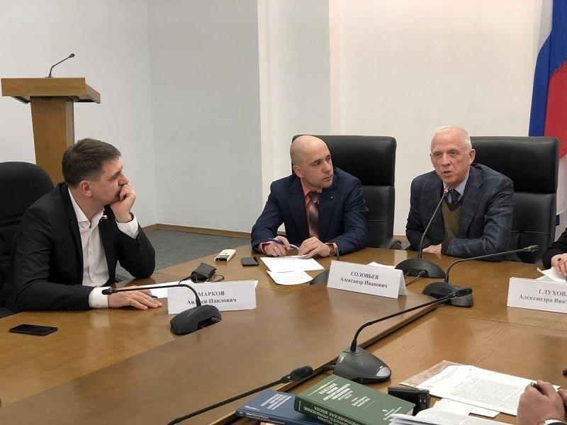 Депутат Марков и политолог Соловьев поспорили о качестве современных «феодалов»