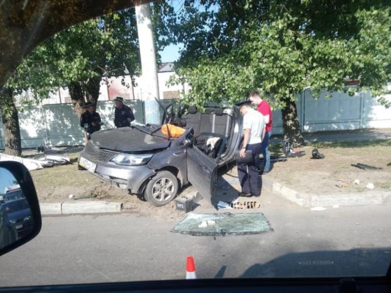 Последствия страшной аварии с Kia Rio показали на фото в Воронеже