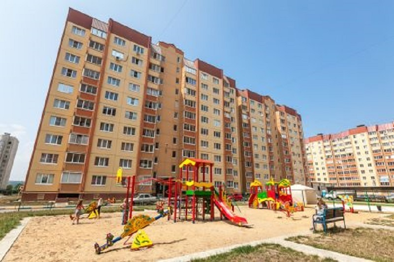 Активисты воронежского ЖК превратили детскую площадку в концлагерь