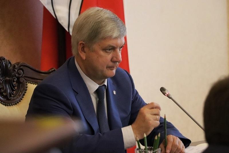 Губернатор Гусев отбыл вместе с первым министром Шабалатовым в Санкт-Петербург