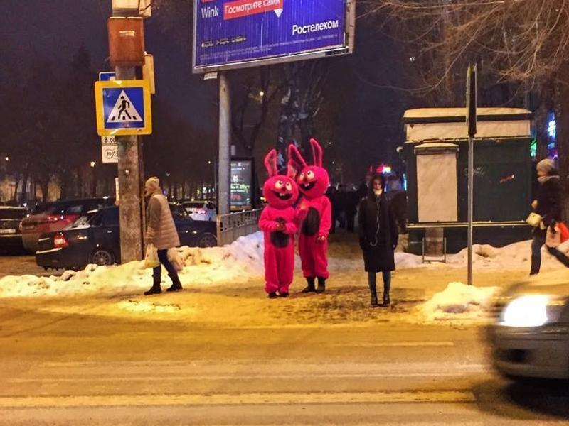 О пользе вибраторов и страпонов рассказывают на улицах Воронежа