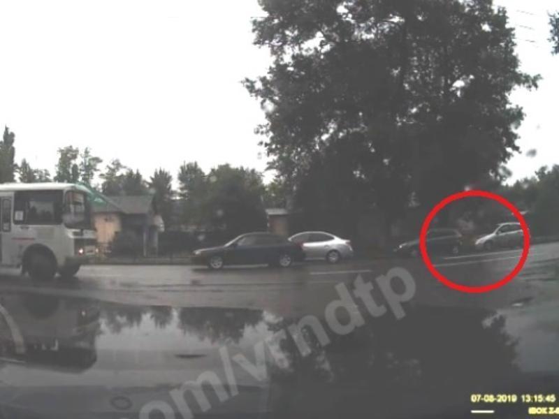 Поздняя реакция преподала горький урок водителю в Воронеже