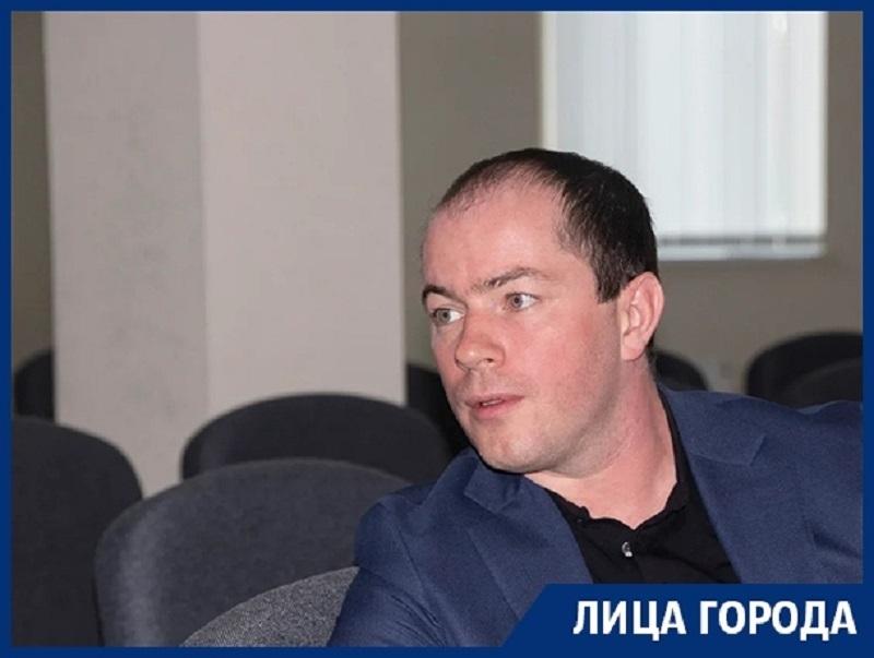 О финансовых и спортивных изменениях «Факела» в новом сезоне рассказал Роман Асхабадзе