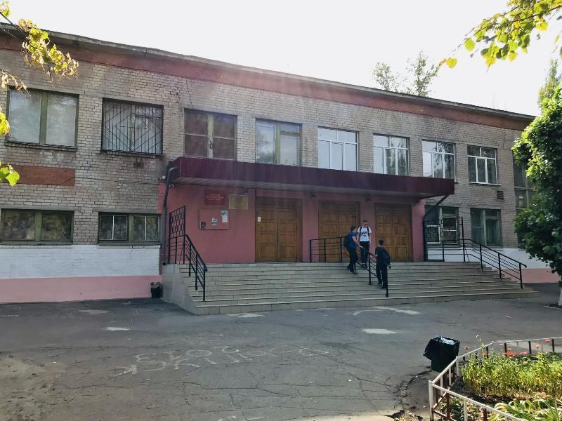 Воронежскую школу закрыли на два дня из-за запаха фекалий