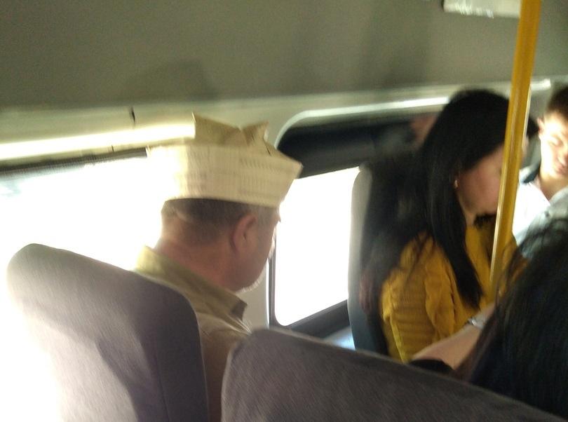 Урок экономии на головном уборе преподал воронежцам пассажир автобуса