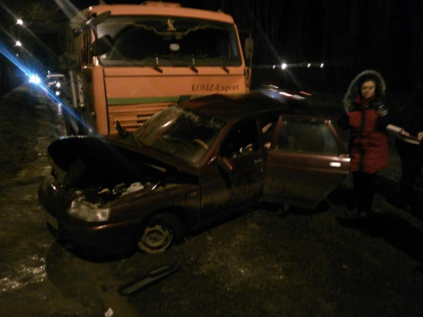 НаЛевом берегу вВоронеже умер шофёр «ВАЗа», врезавшись вбетономешалку