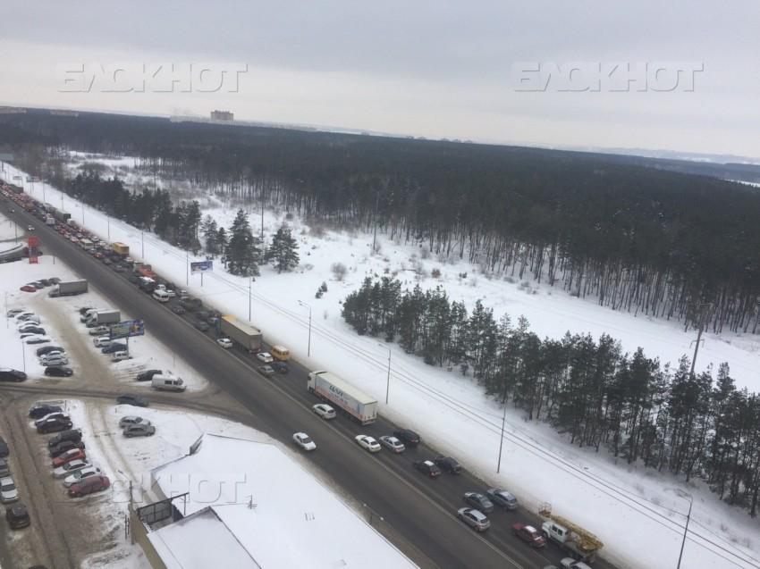 Красноярск вошел втройку городов ссамыми загруженными дорогами