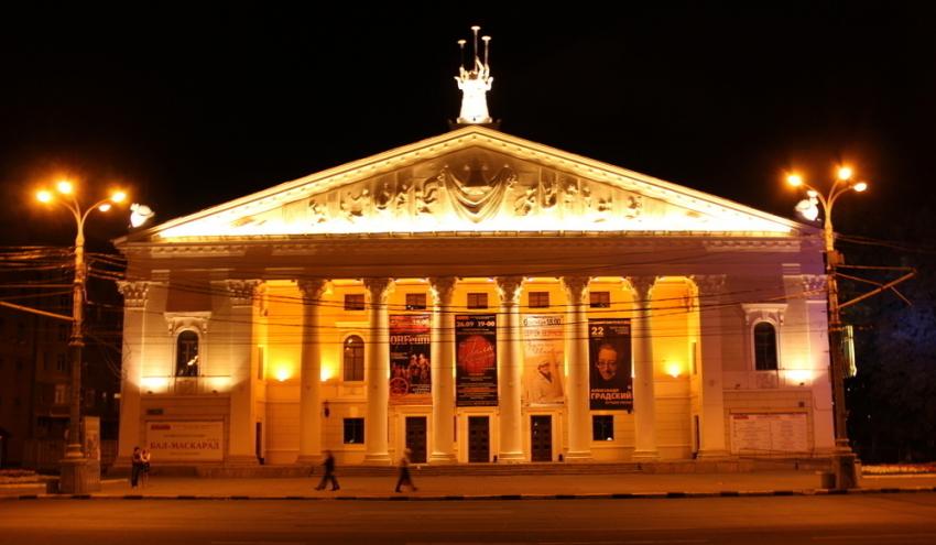 Ксередине зимы воронежцы увидят премьеру оперетты «Здрасьте, яваша тетя!»