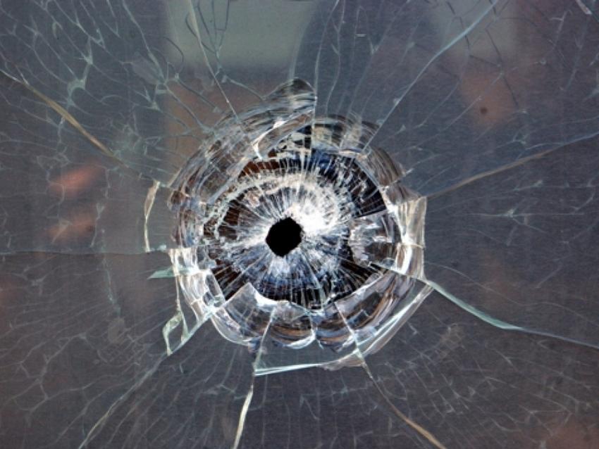 ВВоронеже неизвестный выстрелил вокно школьного кабинета