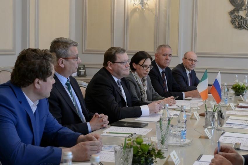 Посол Ирландии Эдриан МакДэйд обсудил вВоронеже важный агропроект