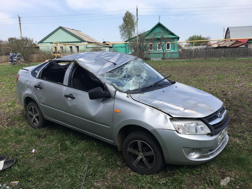 Пассажир «Лады» умер после наезда напешехода вВоронежской области