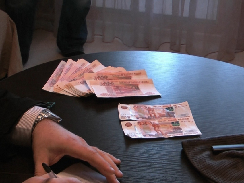 Воронежский юрист пошел под суд замошенничество