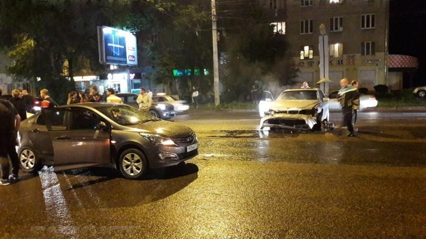Милиция отыскала врезавшегося в5 машин наМосковском проспекте воронежца