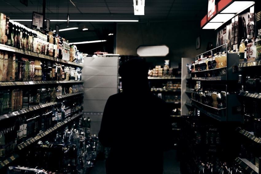 ВВоронеже участковый повидеозаписи вычислил магазинного вора