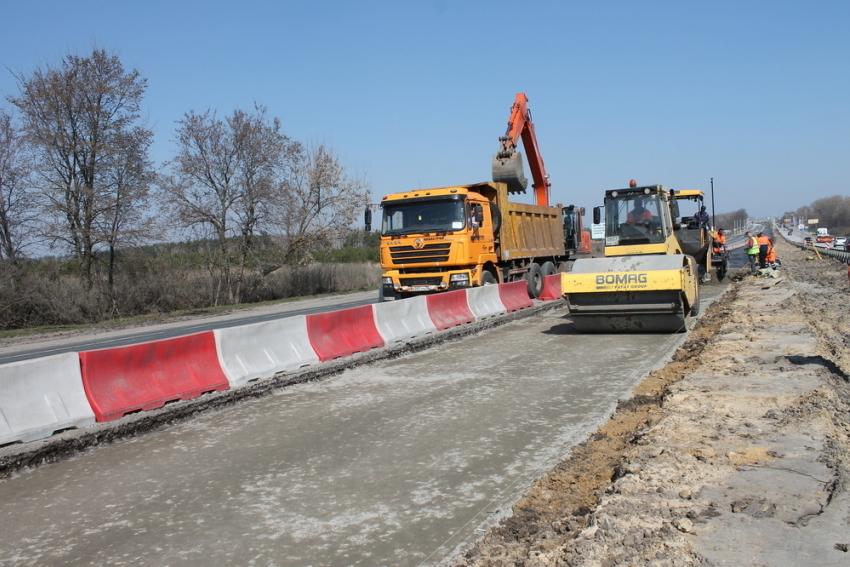 Дорожники начнут чинить воронежские дороги вконце апреля