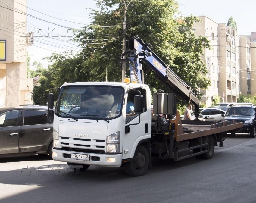 Воронежский губернатор поручил ускорить возвращение эвакуаторов наулицы города