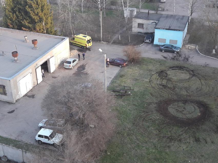 Воронежцы обсуждают в социальных сетях дрифт нагазоне, который устроили водители реанимобилей