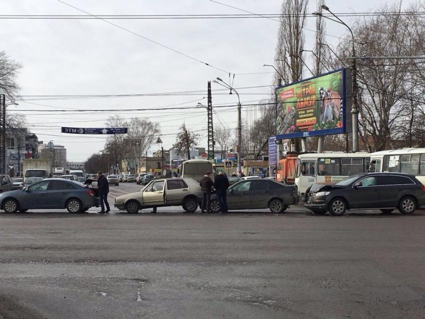Появилось видео массовой трагедии наМосковском проспекте