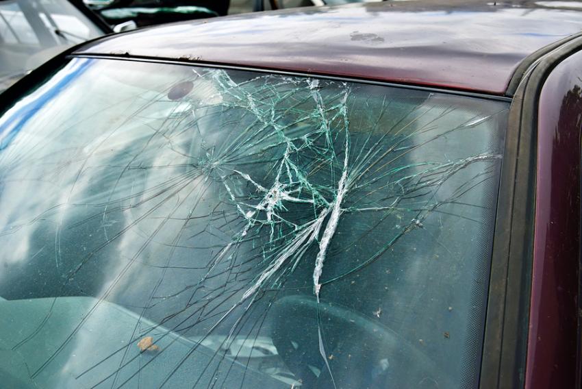 Воронежец разбил машину сознательному гражданину, который сделал ему замечание завыпивку