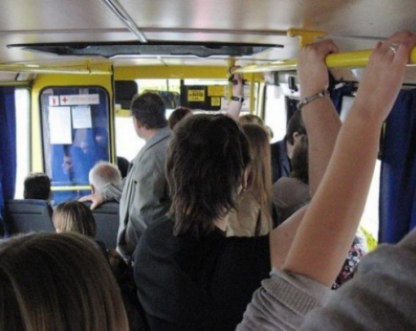 Воронежский маршрутчик заплатит 25 тыс. руб. пассажирке, пострадавшей вДТП