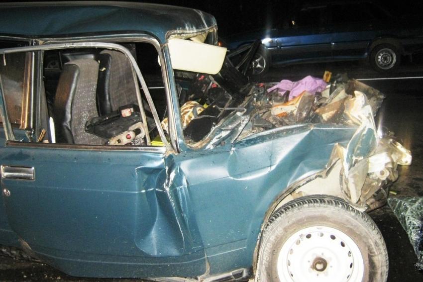 ВНовоусманском районе легковушка влетела встоящий фургон - один погибший