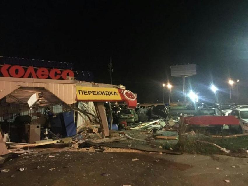 Напересечении Антонова-Овсеенко иСоветской Армии автобус протаранил столб