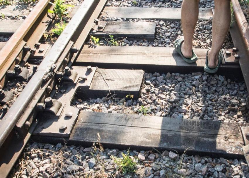 Смерть под поездом настигла 32-летнего мужчину вВоронежской области