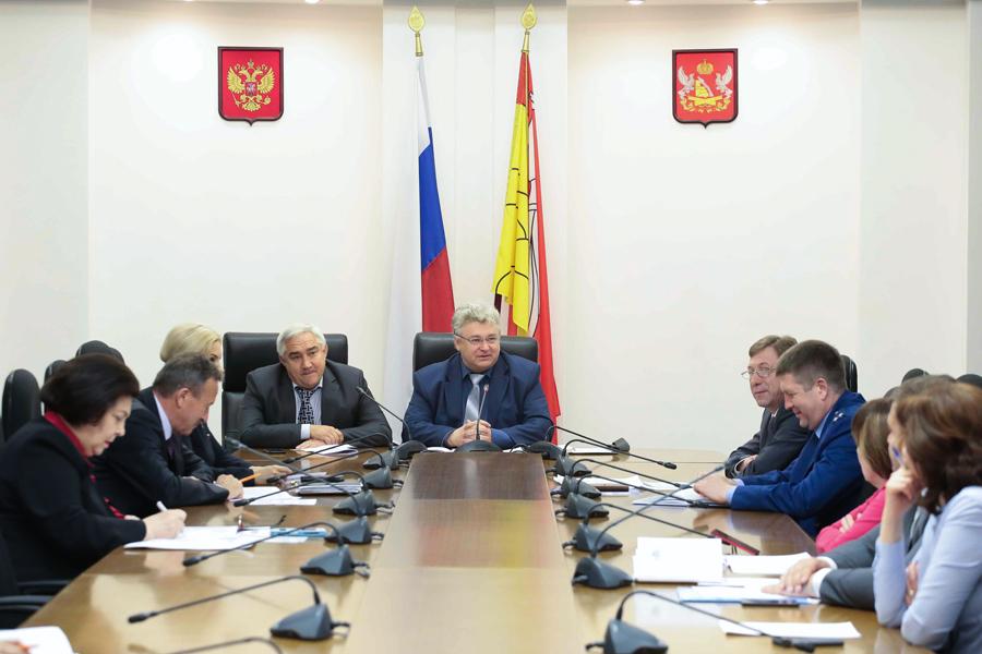 У депутатов Воронежской областной Думы могут сократиться оплачиваемые отпуска