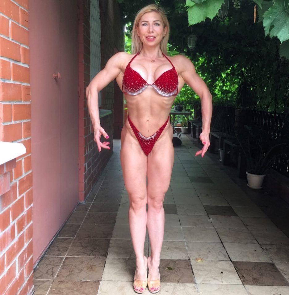 f261b0979ba8c Накаченное тело в бикини показала дизайнер из Воронежа
