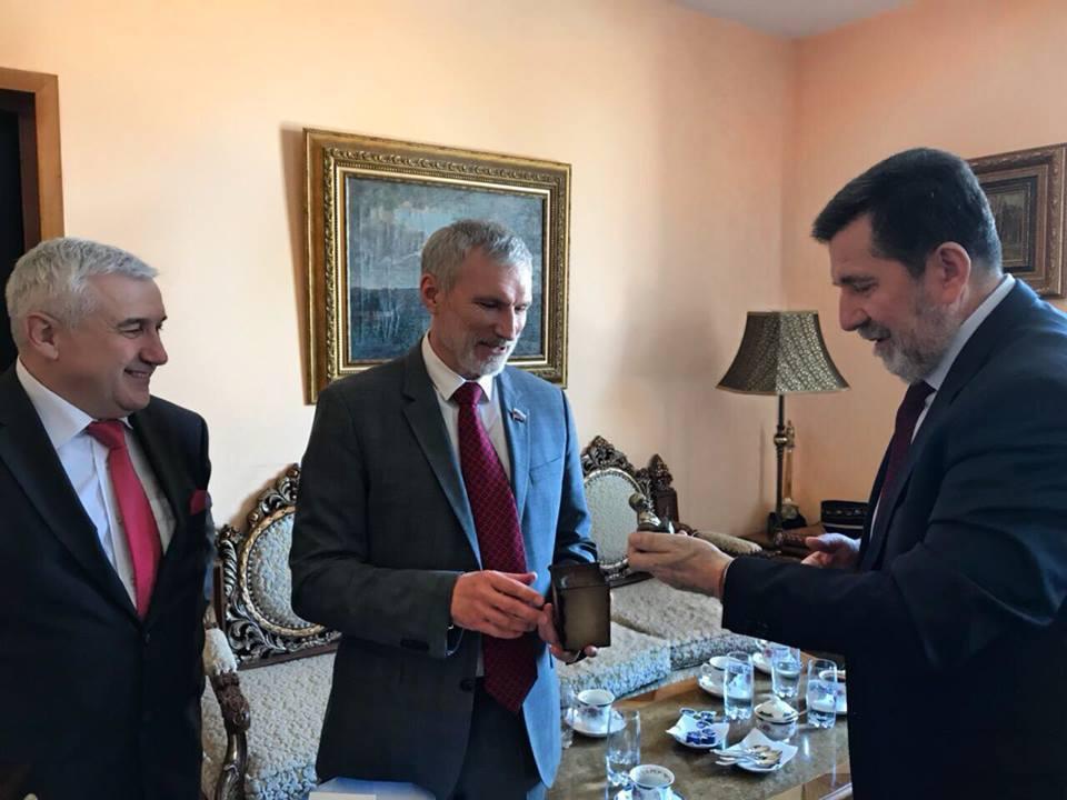 Воронежцы «Родины» встретились с послом Сербии
