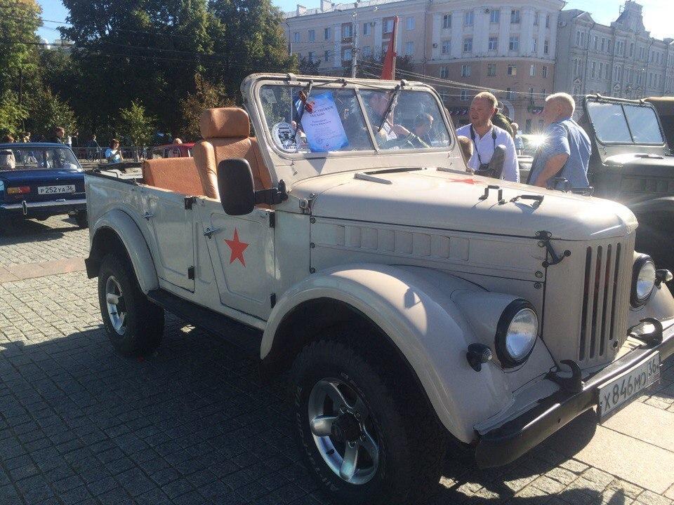 Что удивило воронежцев на выставке «Ретро-автомобилей» в День города
