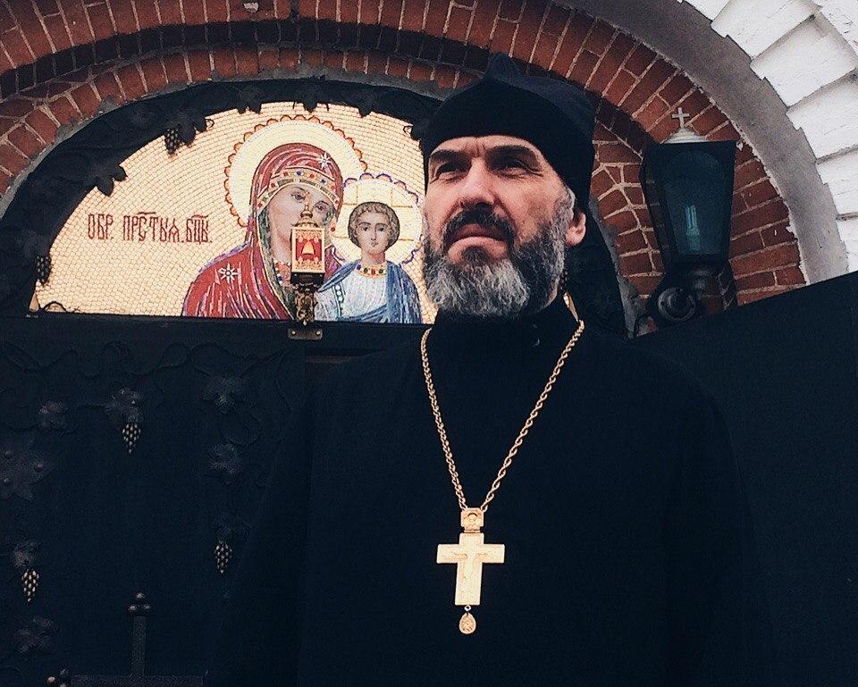 То, о чем говорить не принято: воронежский священник рассказал об одержимых бесами и обрядах экзорцизма