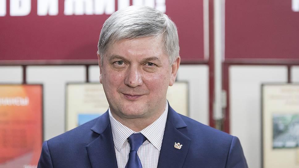 Губернатор Гусев решил снести здание в центре Воронежа