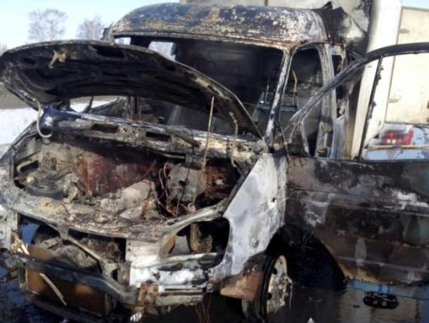 Воронежец сжег чужую машину, на которой ездил к женщине