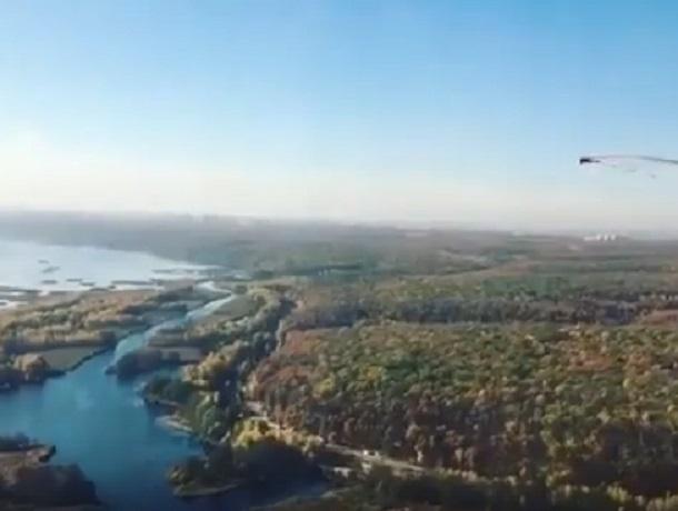 Живописные виды Воронежа сняли на видео при посадке самолета в аэропорту