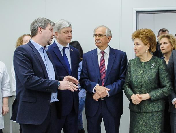 Гусеву и Кареловой показали в Воронеже «Бережливую поликлинику»