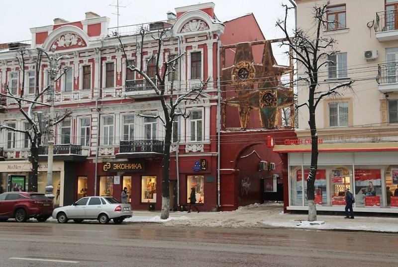 Советский арт-объект демонтируют с проспекта Революции в Воронеже