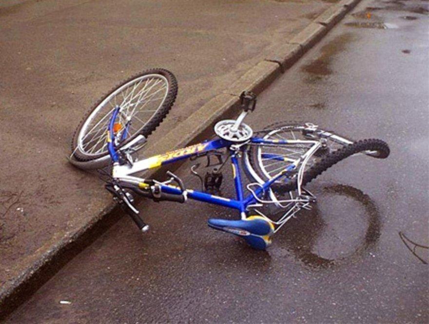 Пенсионер на ВАЗе сбил 8-летнюю велосипедистку под Воронежем