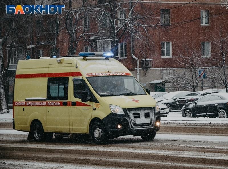 Новорожденный пострадал в ДТП с двумя иномарками в Воронеже