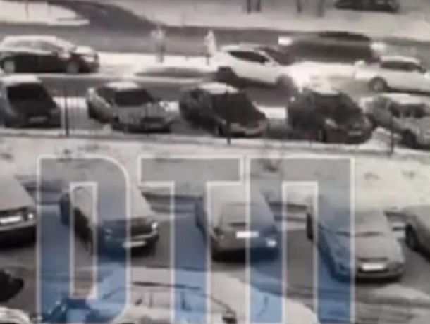 Массовое ДТП с подменой машины в Воронеже попало на видео