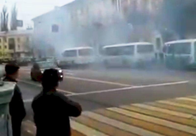 На видео попало, как у вокзала «Воронеж I» маршрутка задымила всю улицу