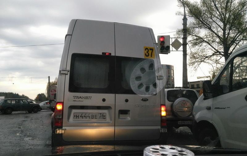 Воронежцы сообщили о беспредельной езде маршрутчика по 9 Января