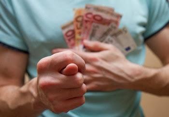 Воронежский бизнесмен задолжал сотрудникам 3 млн рублей