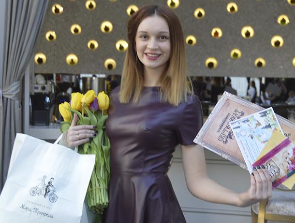 Ночь в отеле в будуарном платье проведет победительница конкурса «Истинная женщина»