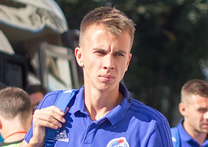 Хавбек воронежского «Факела» оскорбил арбитра на матче с «Сибирью»