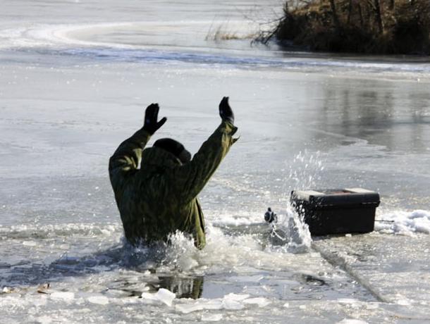 Из воронежского водоема достали первую жертву зимней рыбалки