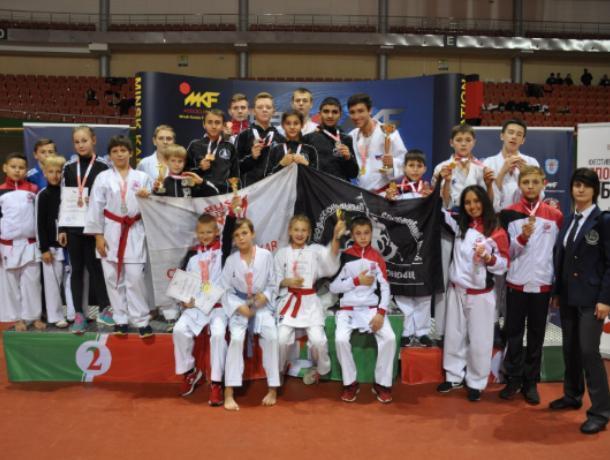 Воронежские каратисты привезли из Минска 24 медали